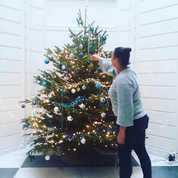Kerstboom laten versieren bij jou thuis of op kantoor!